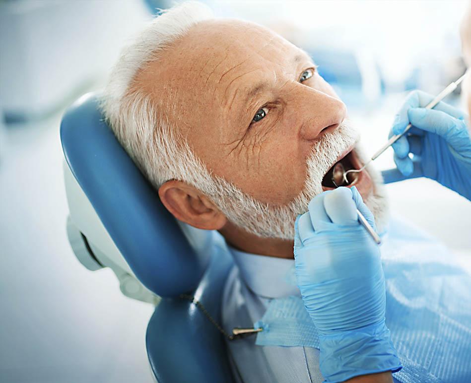 los mejores implantes dentales en Oviedo. Clínica dental Naves
